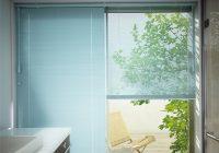 ベランダや庭に通じる掃出窓に!爽やかな横型ブラインドで暑さ対策♪