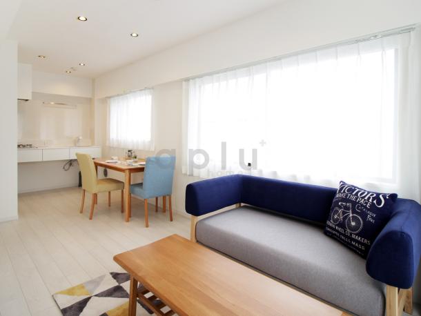 << 家具 >>白を基調としたお部屋を北欧風コーディネートに