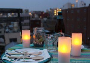 秋の夜長を楽しみましょう。ゆったりと過ごせるお部屋づくりのヒント